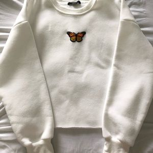 Cropped butterfly crew neck